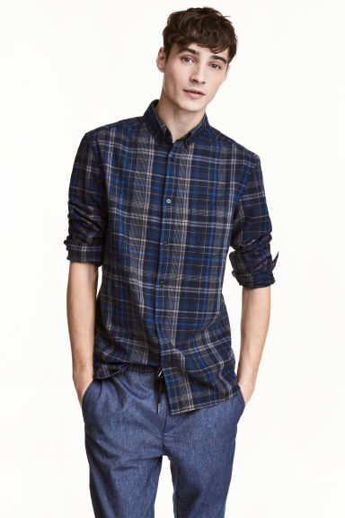 Camicia misto lino Regular fit - Blu scuro/quadri - UOMO | H&M IT 1