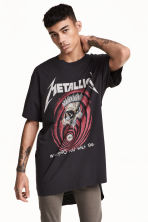 T-shirt with a print motif - Black/Metallica - Men | H&M 1