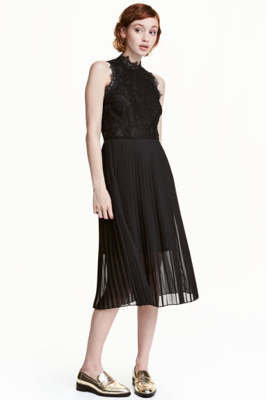 Pleated lace dress - Black - Ladies | H&M 1