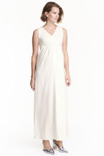 MAMA Maxi dress - Natural white - Ladies | H&M 1