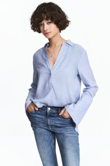 V-neck blouse - Blue/White/Striped -  | H&M CN 1