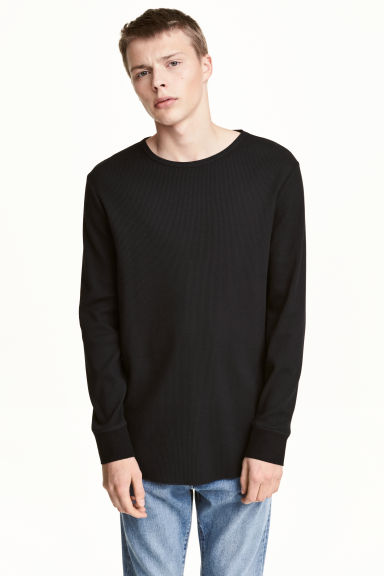 Waffled long-sleeved T-shirt Model
