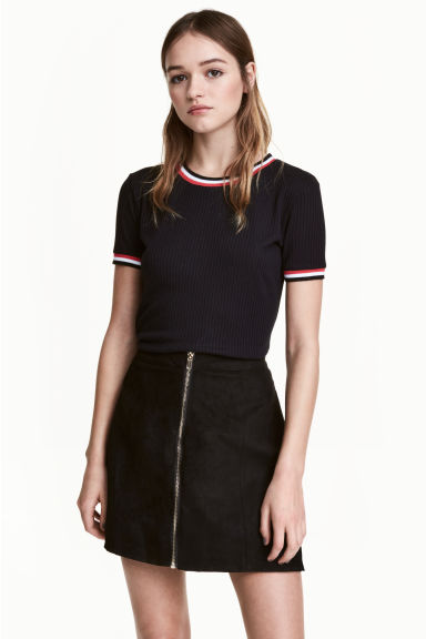 A-line skirt - Black/Imitation suede - Ladies | H&M GB 1