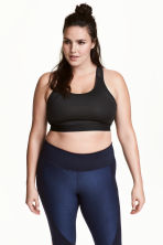 H&M+ Sports bra Medium support - Black - Ladies | H&M 1