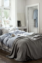 Crinkled cotton bedspread - Grey - Home All | H&M CN 1