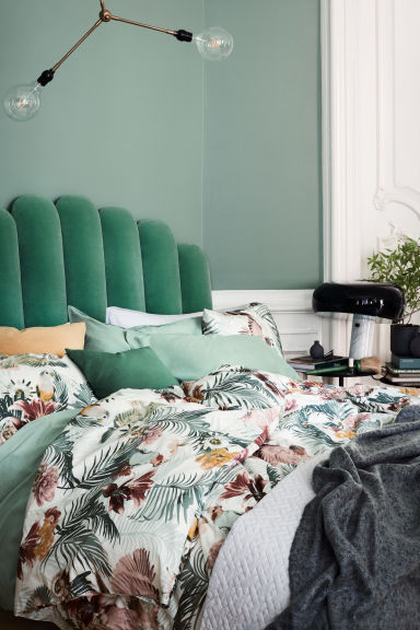 Quilted bedspread double - Dusky green - Home All | H&M GB