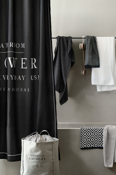 Text-print shower curtain - Black - Home All | H&M CA 1