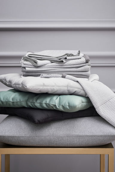 Textured cushion cover - Grey - Home All | H&M CN 1