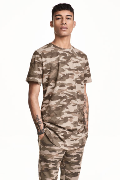 Long T-shirt - Brown/Patterned - Men | H&M CN 1