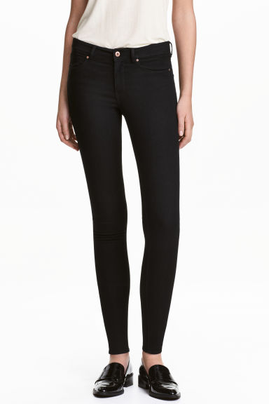 Super Skinny Regular Jeans Model