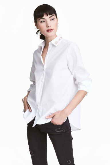 Shirt with embroidered collar Model