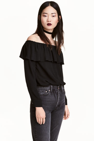 Short off-the-shoulder blouse - Black - Ladies | H&M CN 1