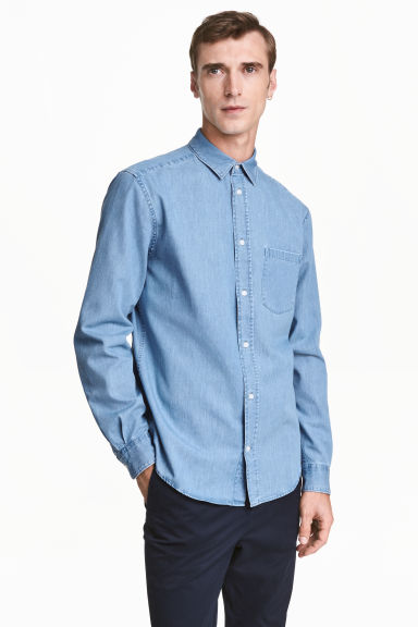 Premium cotton denim shirt - Light denim blue - Men | H&M 1