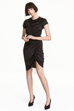 Satin dress with a drawstring - Black - Ladies | H&M 1