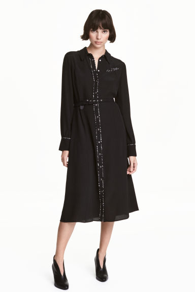 Shirt dress with a belt Model
