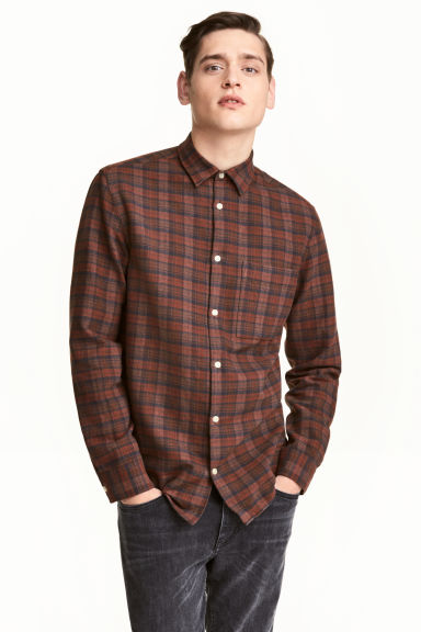 Flanellskjorta Regular fit - Mörkbrun/Rutig - Men | H&M FI 1