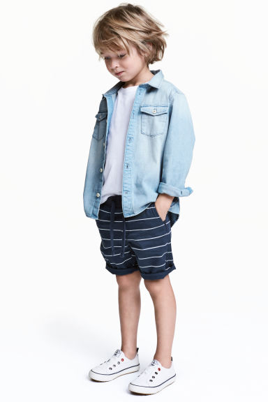 Twill shorts - Dark blue/Striped - Kids | H&M 1