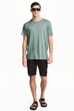 Knee-length shorts - Black - Men | H&M CN 1
