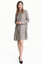 Patterned dress - Light beige/Checked - Ladies | H&M 1