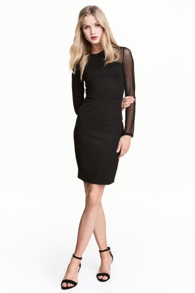 Šaty bodycon Model