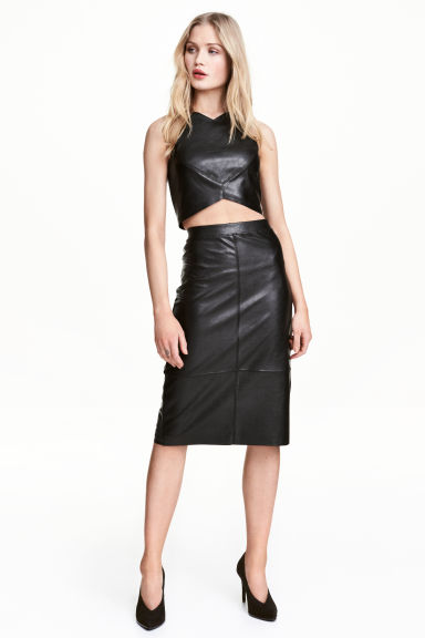 Imitation leather skirt Model