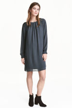 Chiffon dress - Dark grey - Ladies | H&M CN 1