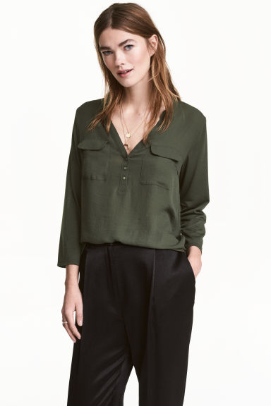 Crêpe blouse - Dark khaki green - Ladies | H&M 1