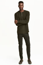 Cargo trousers Slim fit - Dark khaki green - Men | H&M 1