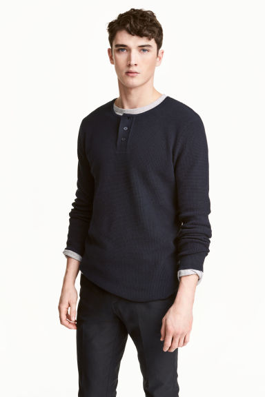 Waffled Henley shirt - Dark blue - Men | H&M CN 1