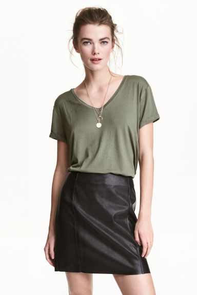 V領平紋上衣 - Khaki green - Ladies | H&M 1