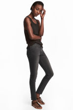 Superstretch trousers - Nearly black - Ladies | H&M CN 1