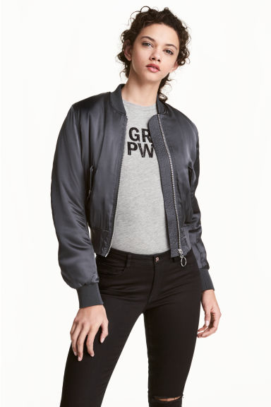 Padded bomber jacket Model