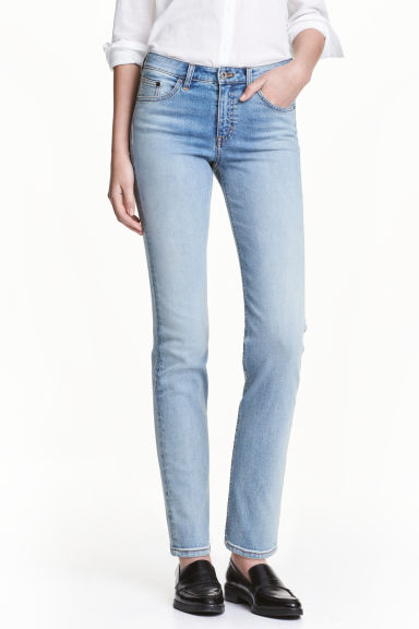 Straight Regular Jeans Modell
