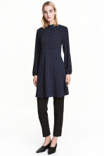 Crêpe dress - Dark blue/Spotted - Ladies | H&M CN 1
