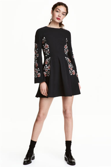Abito ricamato - Nero/rose - DONNA | H&M IT 1