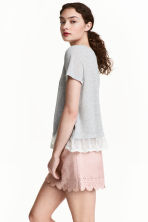 Top with a lace trim - Grey - Ladies | H&M CN 2