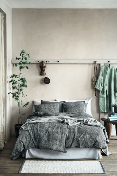 Washed linen pillowcase - Grey - Home All | H&M CN 1