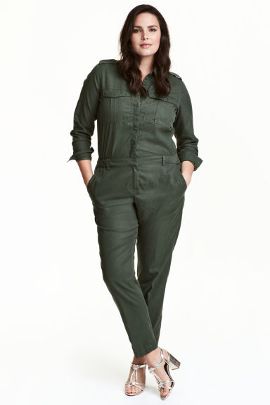 H&M+ Jumpsuit van lyocellmix Model