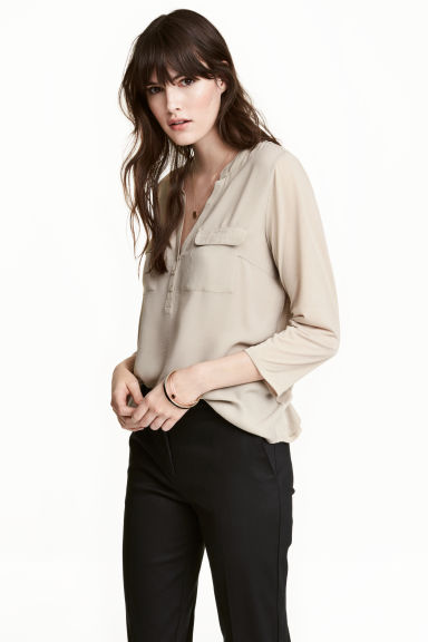 Crêpe blouse - Light beige - Ladies | H&M CN 1
