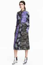 Shirt dress with a belt - Purple/Black floral - Ladies | H&M CA 1