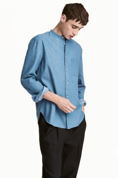 Grandad shirt Regular fit - Light denim blue - Men | H&M 1