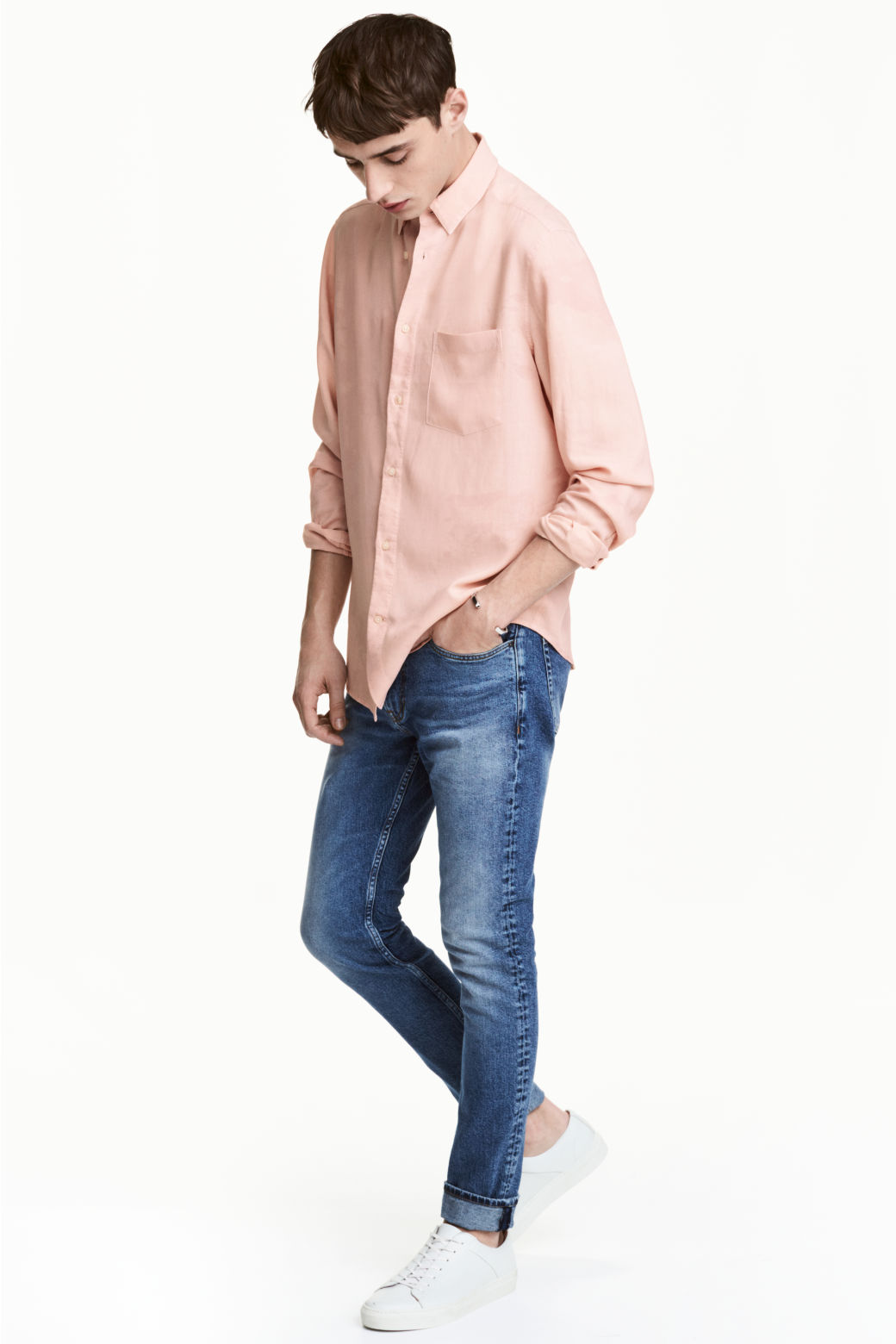 H&M's business concept is to offer fashion and quality at the best price. H&M has since it was founded in grown into one of the world's leading fashion companies. The content of this site is copyright-protected and is the property of H&M Hennes & Mauritz AB. H&M is committed to accessibility.