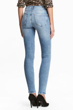 Shaping Skinny Regular Jeans - Denim blue/Washed - Ladies | H&M 1