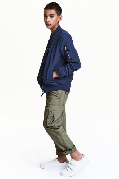 Cargo trousers - Khaki green - Kids | H&M CN