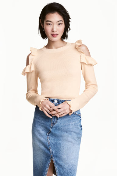Knitted cold shoulder jumper - Light beige - Ladies | H&M 1