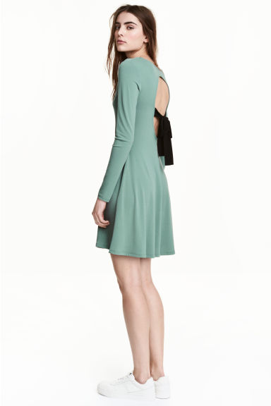 Cut-out dress - Dusky green - Ladies | H&M