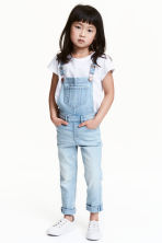 Denim dungarees - Light denim blue - Kids | H&M 1