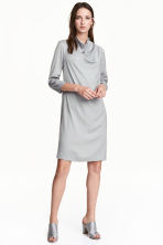 Crêpe dress - Light grey - Ladies | H&M CN 1