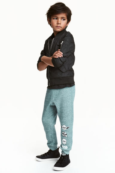 Printed joggers - Dusky green/Star Wars - Kids | H&M 1