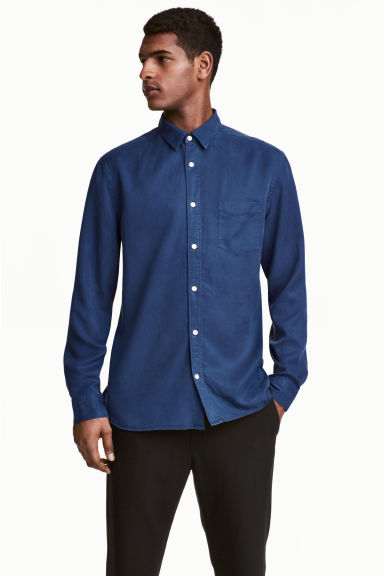 Camicia in lyocell - Blu scuro - UOMO | H&M IT 1